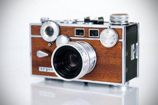 02-Anchors-Anvils-Retro-Cameras