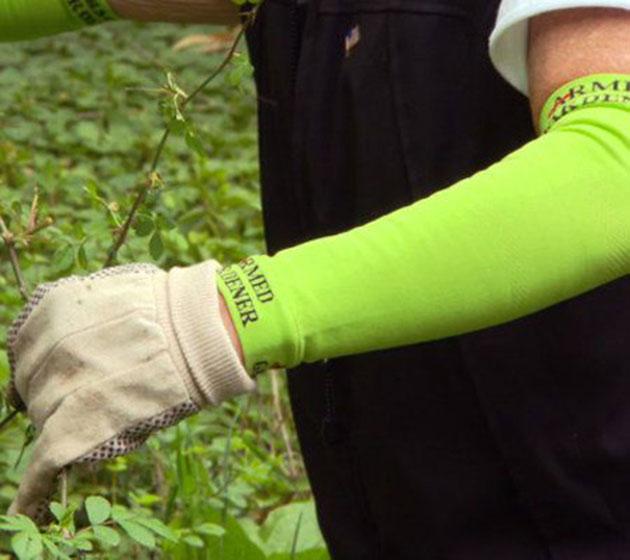 02-Armed-Gardener