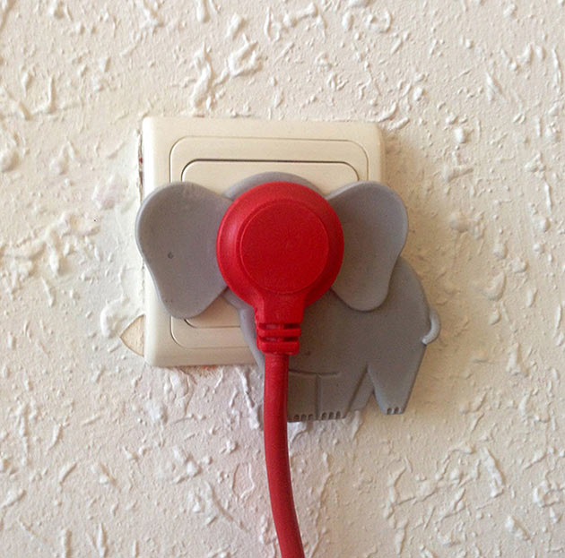 02-Elephant-in-The-Room-Plug