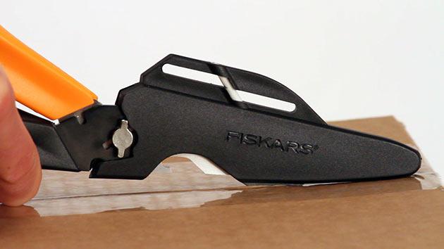 08-Fiskars-Cuts