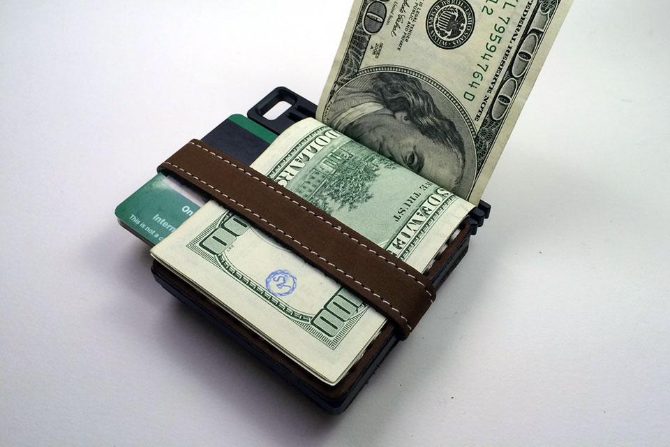 Компактный кошелек AJ Wallet из алюминия и кожи