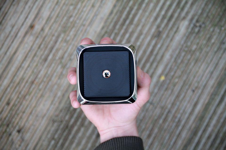 Миниатюрная Bluetooth-колонка Frankenspiel FS-X с внушительной громкостью в 100 дБ