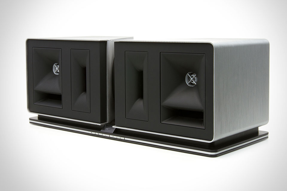 Компактная беспроводная акустика Klipsch Stadium мощностью в 400 Ватт