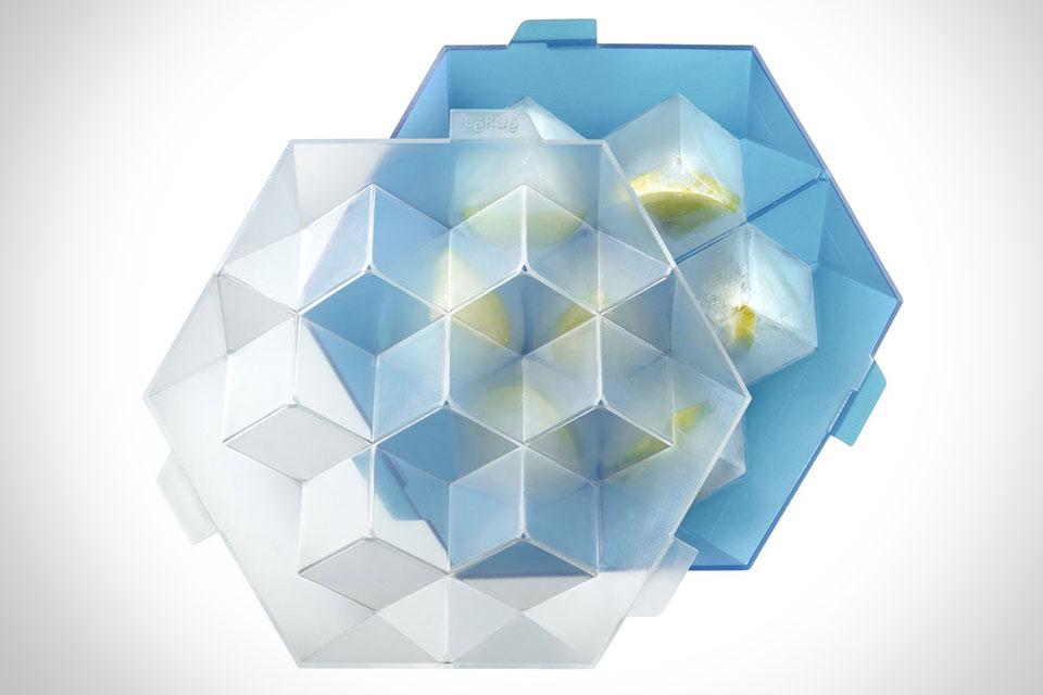 Форма Lekue XL Ice Cube Tray для создания кубиков льда с начинкой