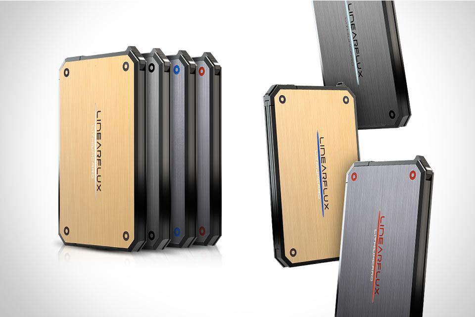 Тонкая внешняя батарея LithiumCard для гаджетов
