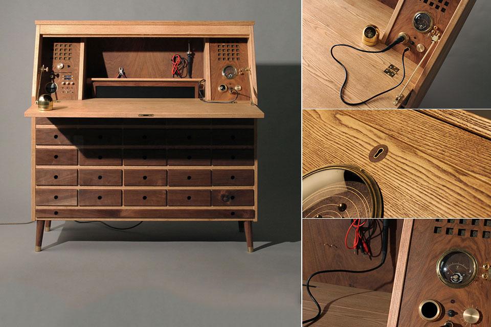 Высокотехнологичный и винтажный рабочий стол Love Hulten Tempel для радиолюбителя