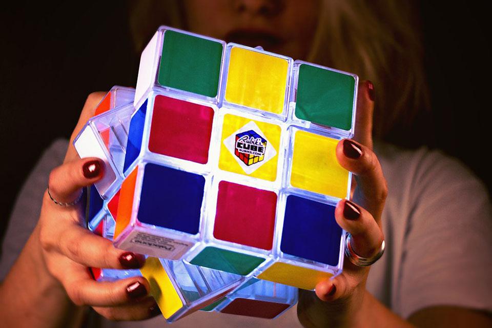 Светящийся кубик Рубика