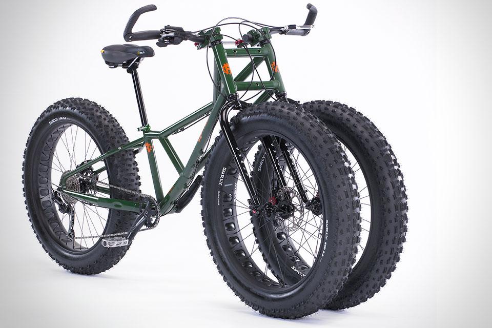 Трехколесный велосипед Rungu Juggernaut для путешествий по бездорожью