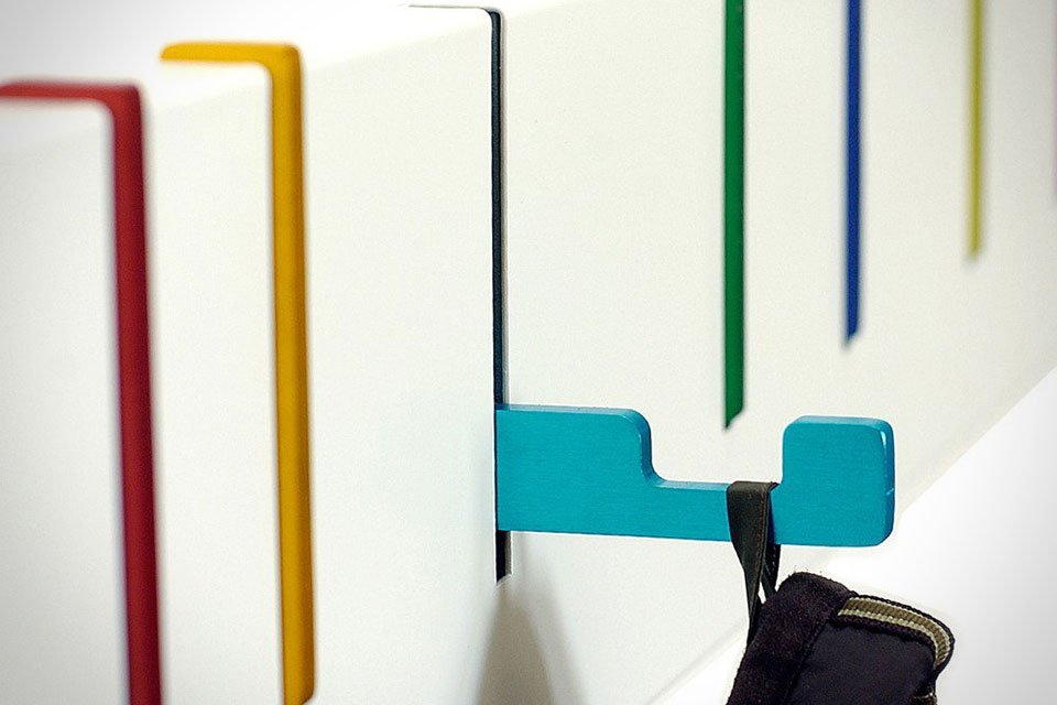 Раскладная настенная вешалка Symbol Coat Rack для одежды