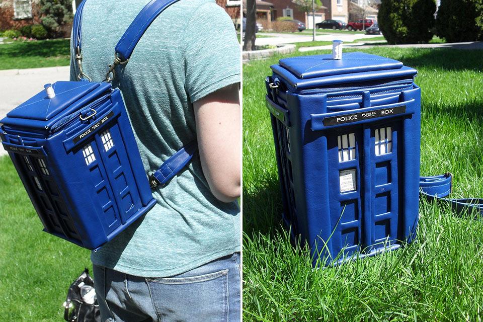 Сумка-рюкзак TARDIS в форме британской полицейской будки