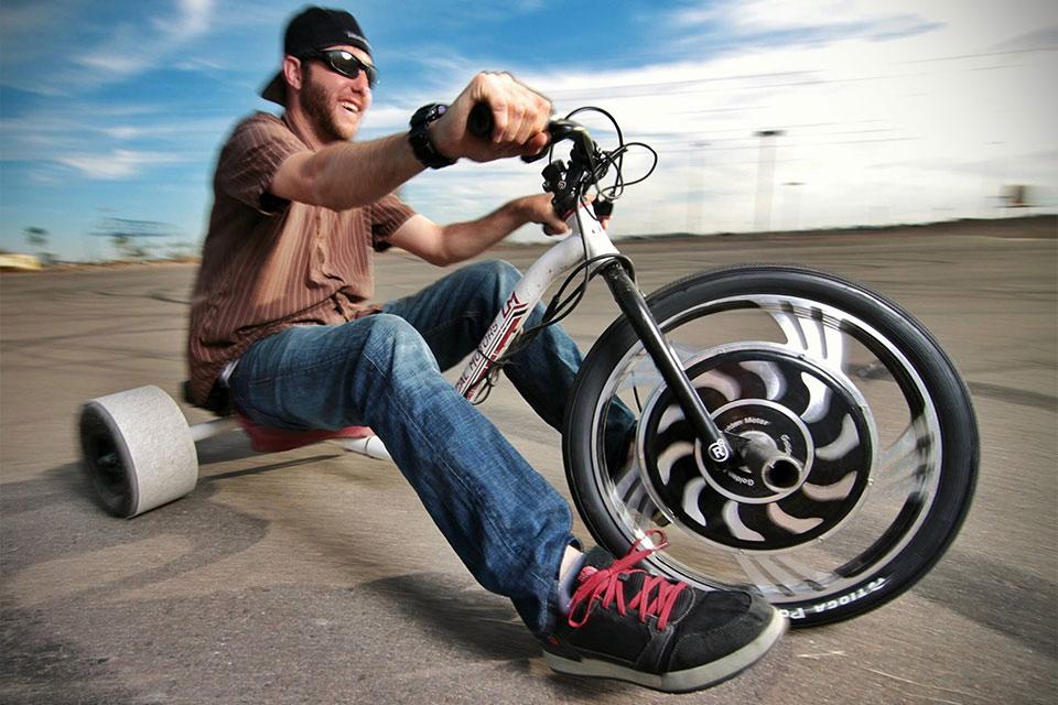 Электрический трицикл Verrado Electric Drift Trike для любителей дрифтинга