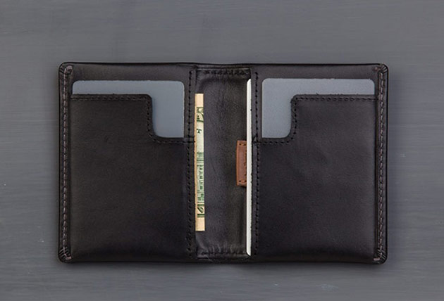 02-Bellroy-Slim-Sleeve