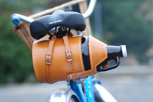 02-Leather-Bike-Growler-Carrier