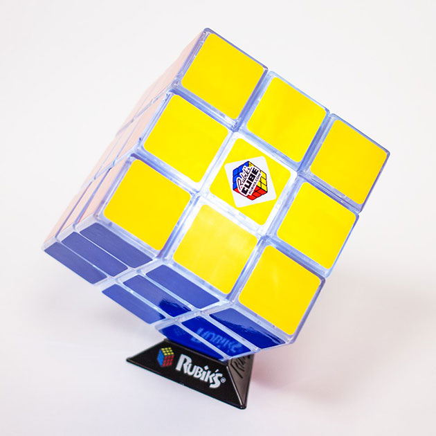 02-Rubiks-Cube-Light
