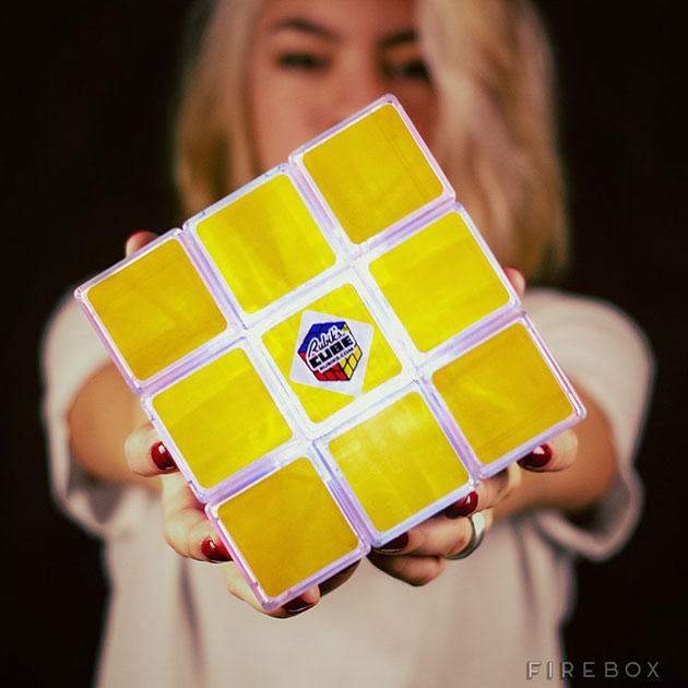 03-Rubiks-Cube-Light