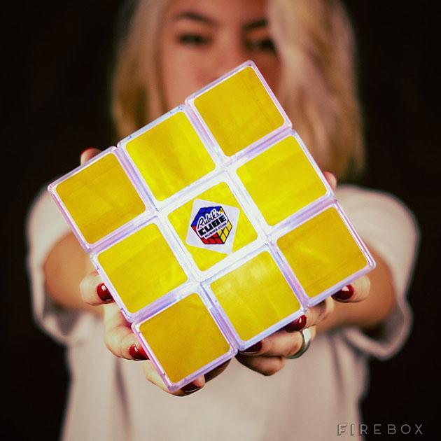 03-Rubiks-Cube-Light