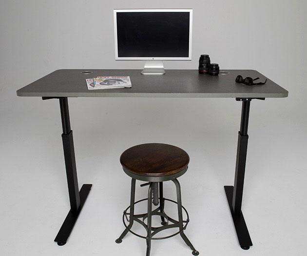 03-Stand-Desk