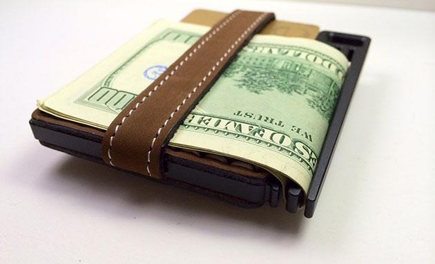 04-AJ-Wallet