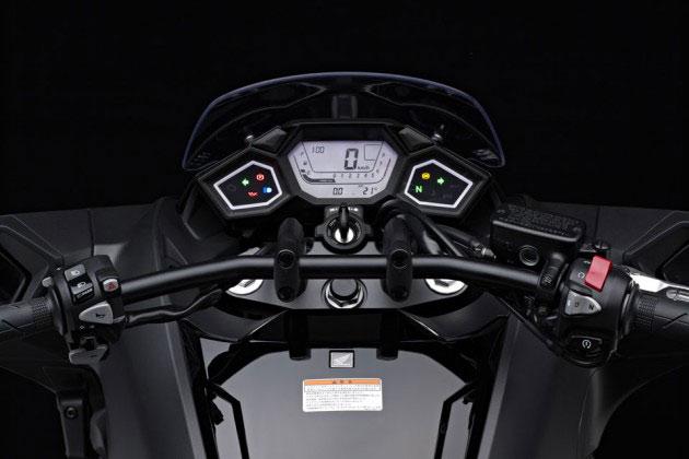 04-Honda-NM4-Vultus
