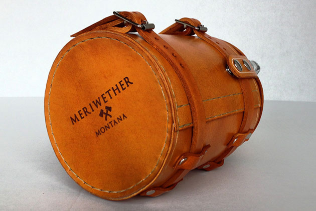 04-Leather-Bike-Growler-Carrier