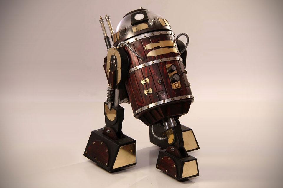 Стимпанк-модель робота R2-D2 в полную величину