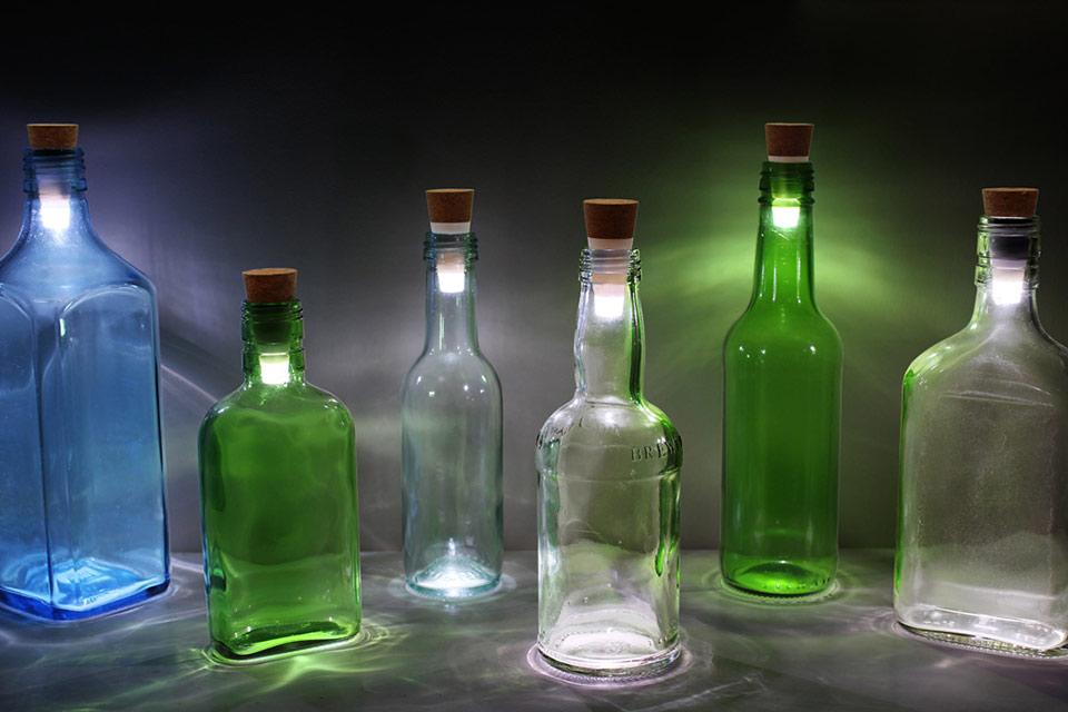 Светящаяся пробка LED Bottle Cork превращает бутылки в настольные лампы