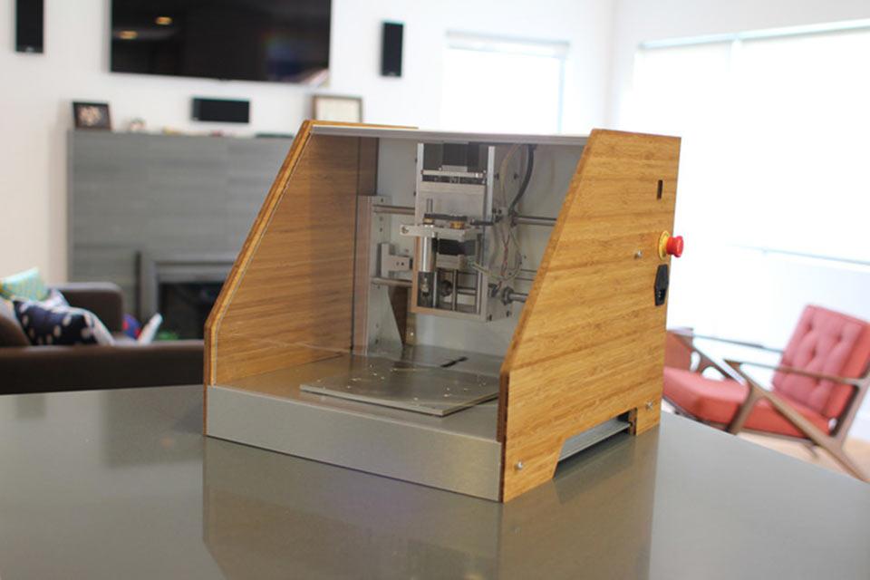 Компактный бытовой станок с ЧПУ Nomad CNC Mill