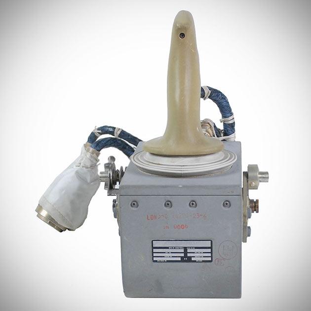 02-Rotational-Hand-Controller