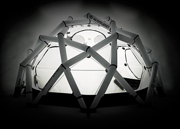 03-Mavericks-Tent