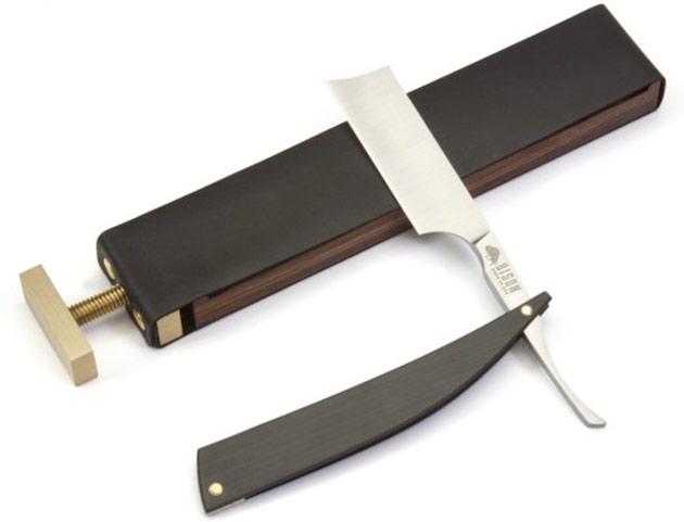 04-Bison-Paddle-Strop-Razor-Case