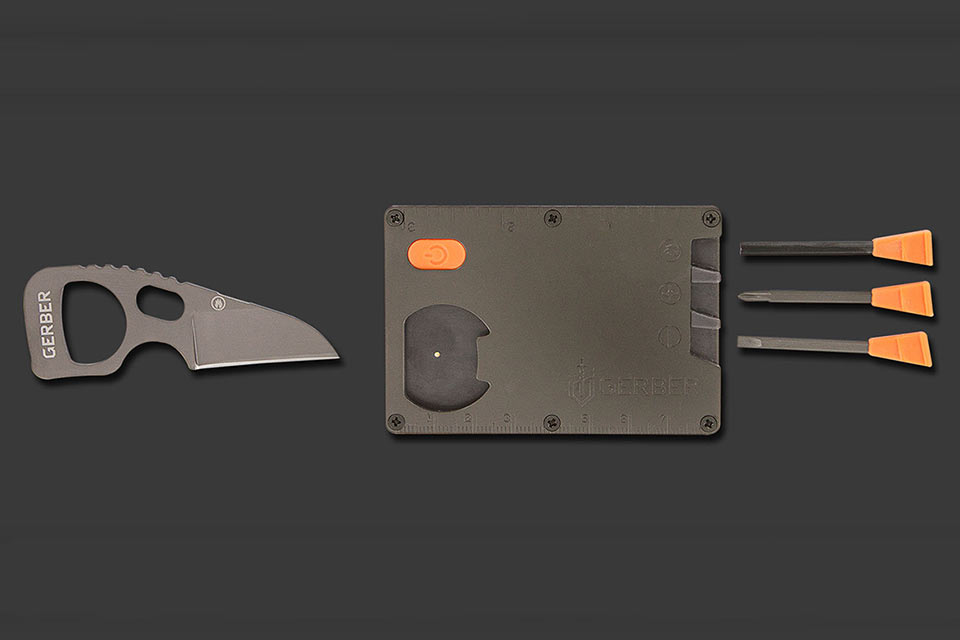 Bear-Grylls-Card-Tool