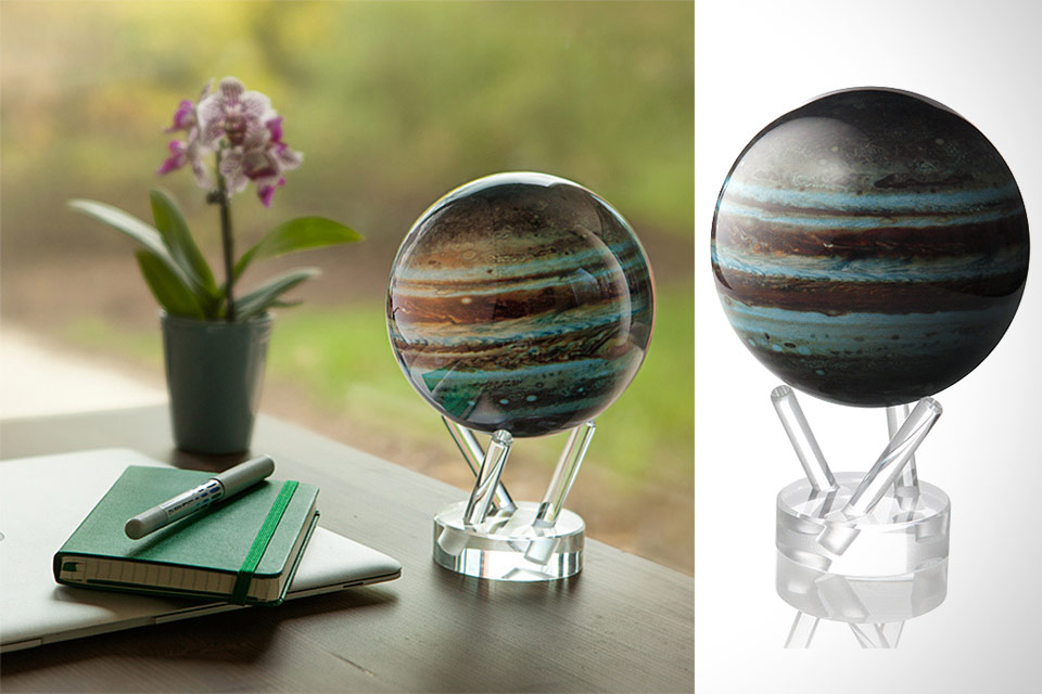 Вращающийся глобус Юпитера в миниатюре MOVA