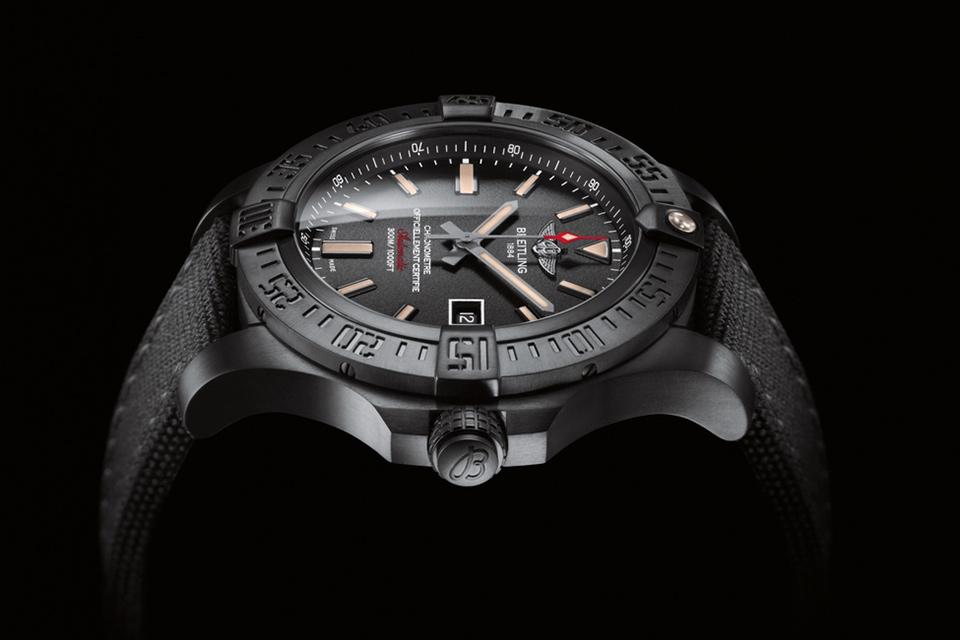 Титановые часы Avenger Blackbird военного образца