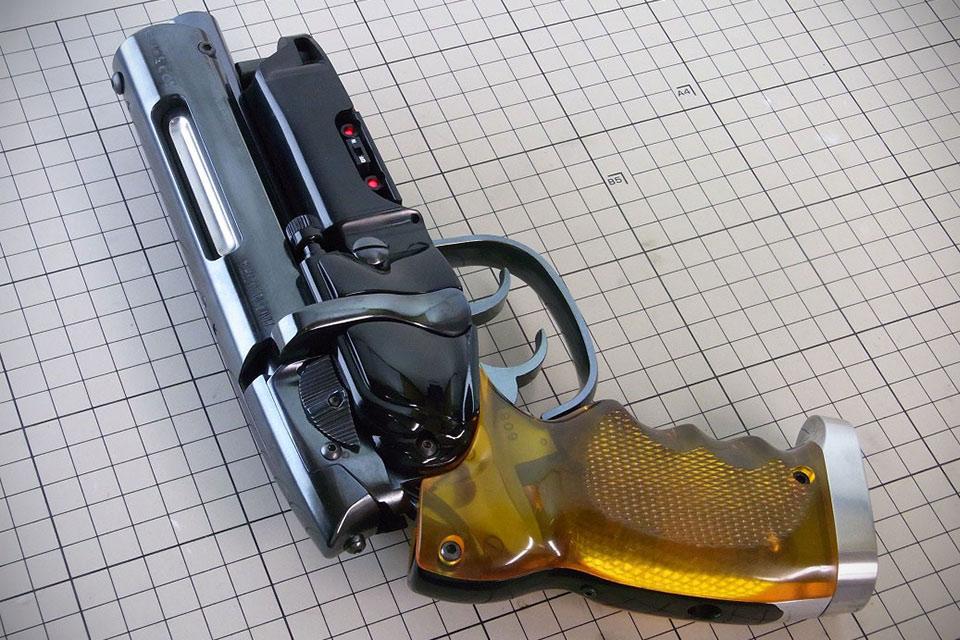 Реплика пистолета Blaster Pro Рика Декарда из «Бегущего по лезвию»