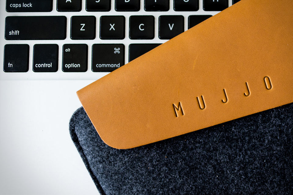 Чехол для макбука Mujjo из войлока и кожи