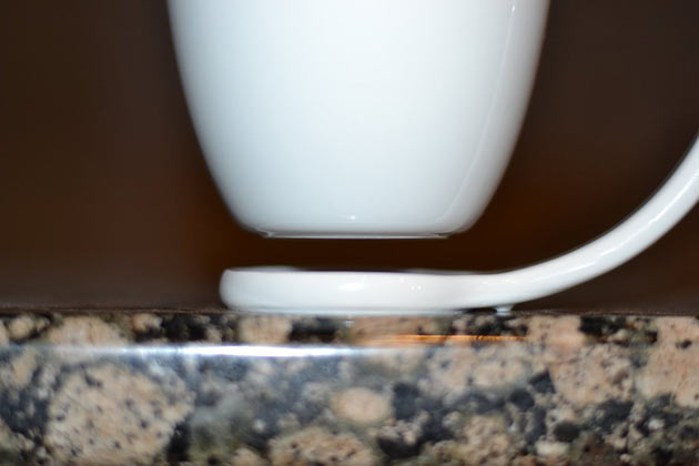 02-Floating-Mug