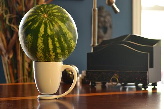 03-Floating-Mug