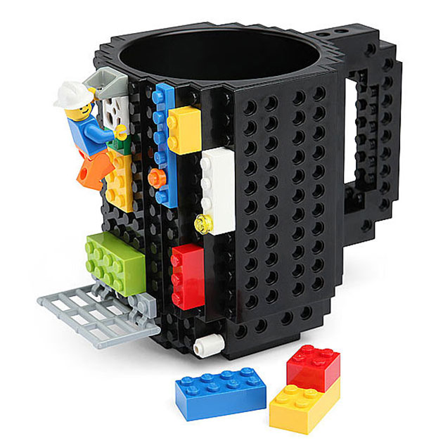 04-Build-On-Brick-Mug