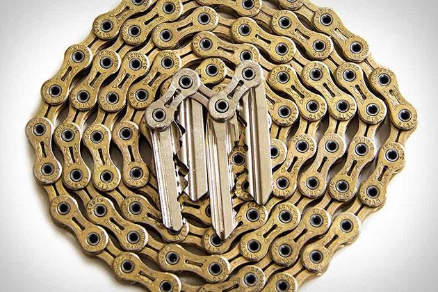 07-Tik-Keychain