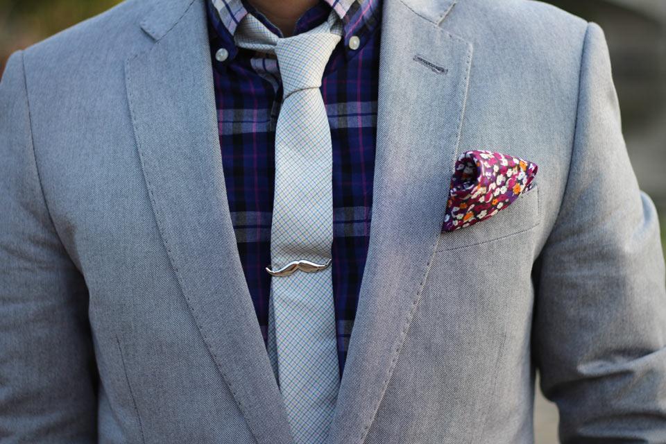 Зажим для галстука Tsaiclip в форме усов
