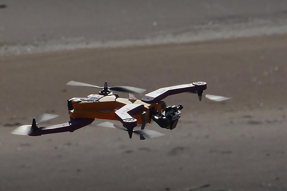 Автоматический дрон-оператор AirDog для GoPro