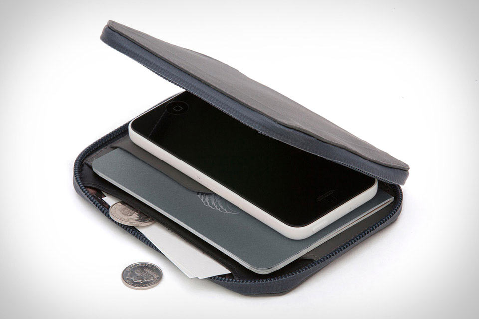 Всепогодный кошелек путешественника Bellroy Elements Travel Wallet