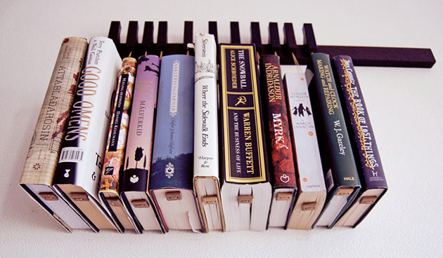 02-Hanging-Book-Rack