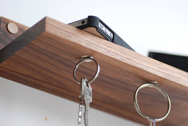02-Magnetic-key-ring-holder-shelf