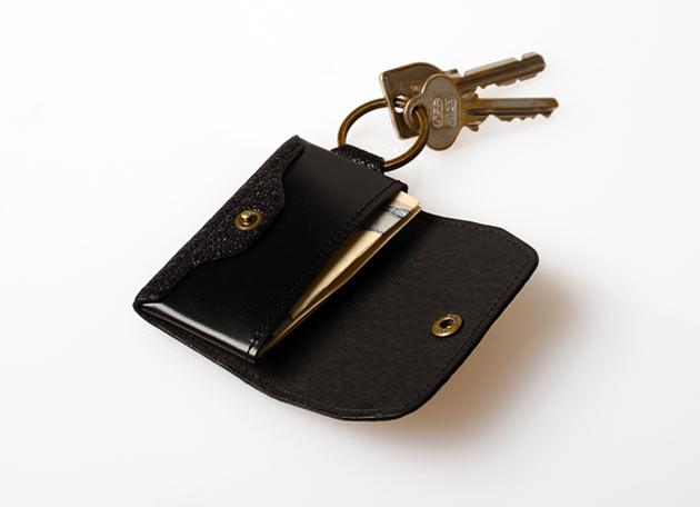 02-Postalco-Jogging-Wallet