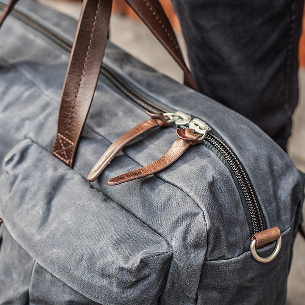 02-Tommy-Trip-Bag