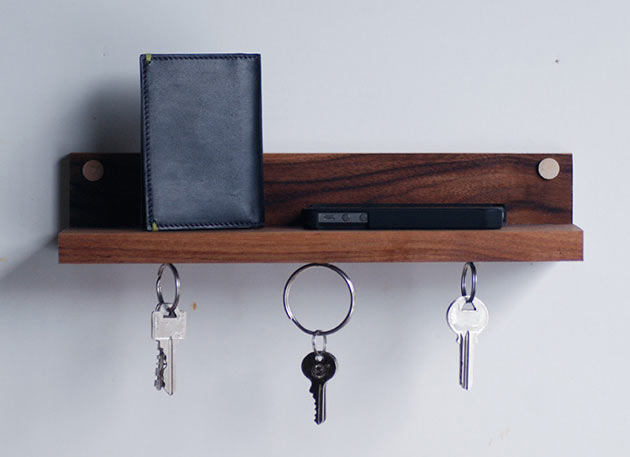 03-Magnetic-key-ring-holder-shelf