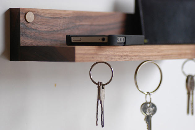 05-Magnetic-key-ring-holder-shelf