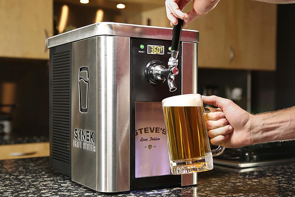 Персональная пивная установка Synek Draft Beer System в формате кофеварки