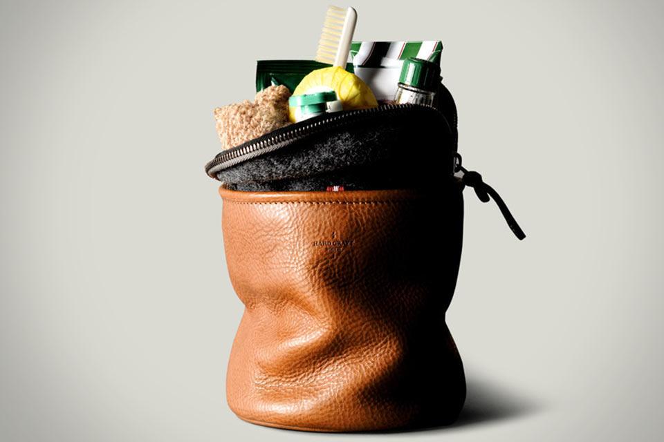 Стоячий косметический мешок Hard Graft Refresh Dopp Kit